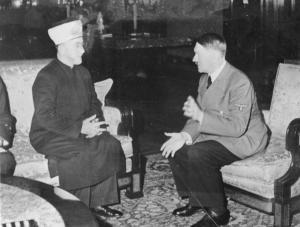 Муфтий Хадж Амин Аль-Хуссейни встречается с Адольфом Гитлером.
